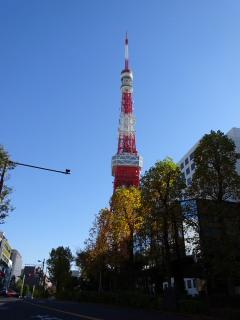快晴の東京タワー