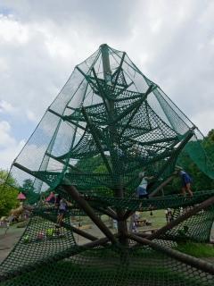 平塚総合公園の遊具2