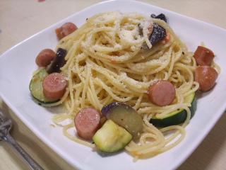 夏野菜&ソーセージパスタ