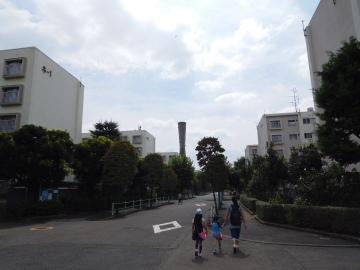 多摩川住宅 ホ号棟とト号棟の間